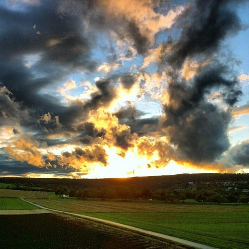 sunset sky sun nature clouds square landscape countryside sonnenuntergang sundown natur himmel wolken squareformat sonne tuttlingen iphoneography instagramapp uploaded:by=instagram foursquare:venue=4f4a56b97beb1e9ad89b9bcf gänsäcker gaensaecker