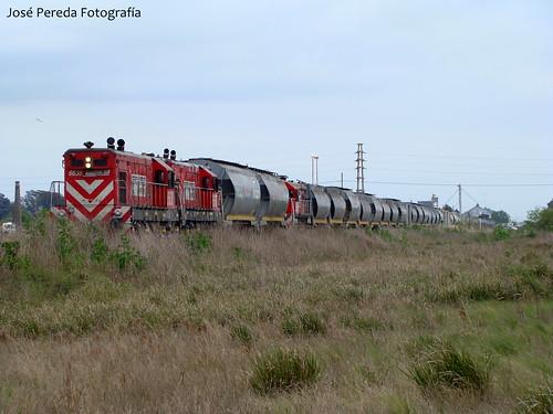G12 6638 - 6637 - GR12 6608 (REMOLCADA)