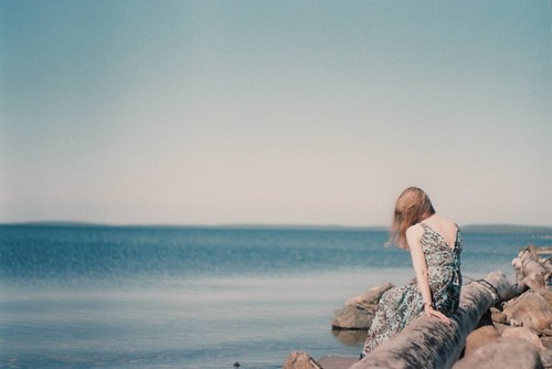 LE LOVE BLOG ROMANCE ROMANTIC LOVE PHOTOS LOVE PICS GIRL ALONE ON THE BEACH SEASIDE LOVE QUOTE I CRAVE A LOVE SO DEEP THE OCEAN WOULD BE JEALOUS Untitled by endlesstrains , on Flickr
