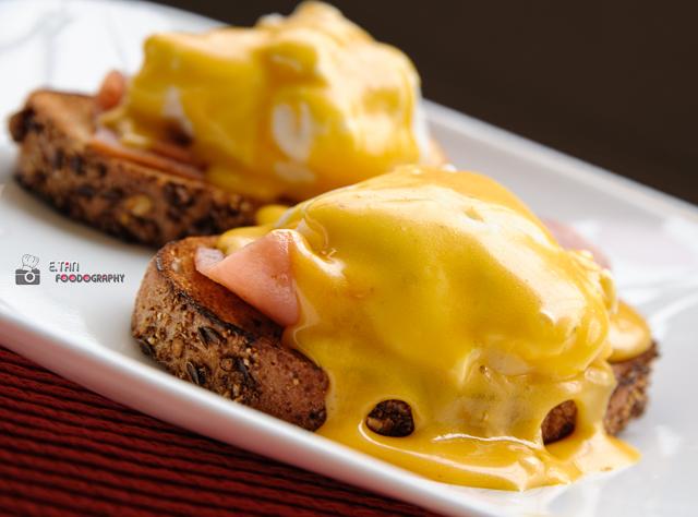 Eggs Benedict - 001