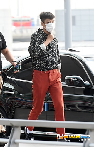 BIGBANG Incheon Airport to Shanghai Press 2015-06-19 030