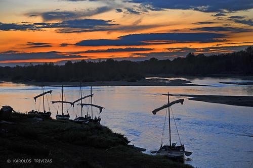 sunset france clouds river boats fishermen canvas anchorage mooring ropes fishingboats riverbank masts tackle rigging apparel sailingboats digitalcameraclub chaumontsurloir blinkagain