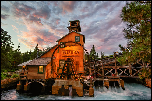 sunset mill disneyland disney dca hdr disneycaliforniaadventure redsunset grizzlyriverrun grizzlyriverrapids grizzlyrapids andrewkirby coasterluver