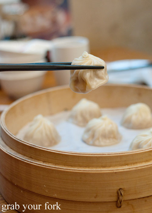 crab xiao long bao soup dumplings at din tai fung, marina bay sands singapore