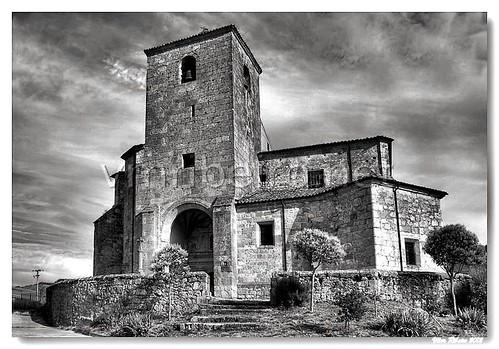 Igreja gótica de Cascajares de Bureba (b/w) by VRfoto