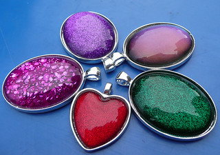 nail varnish pendants 2