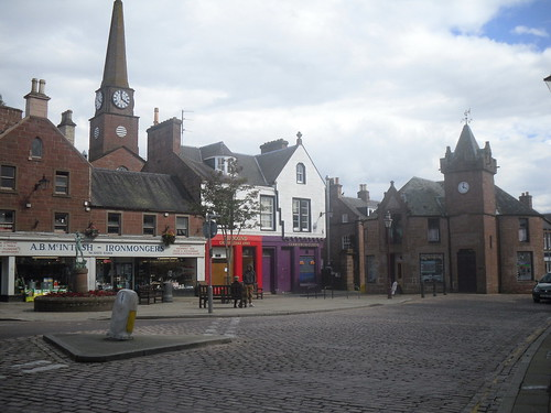 Kirriemuir town square