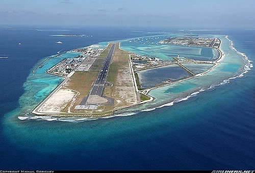 .jpgAirport in the Maldives is located on an artificial island in the middle of the Indian Ocean.