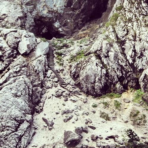 #hölltalklamm #stairway into #cave