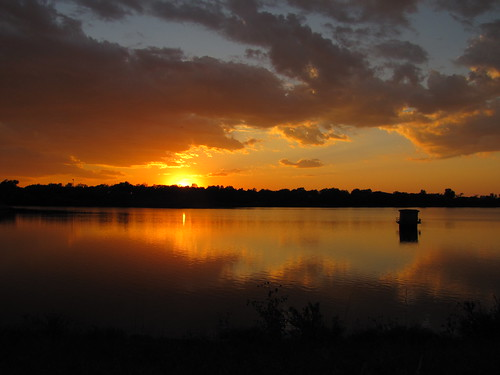 IMG_5576_Sunset_at_Mitchell_Lake_Mitchell_SD