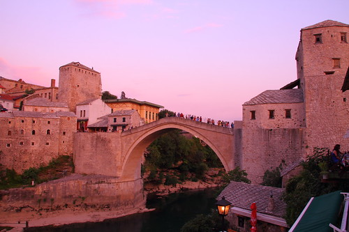 bridge sunset twilight europe mostar bosnia most stari hercegovina starimost 橋 oldbridge bosniahercegovina bosniaihercegovina モスタル ボスニア ヘルツェゴビナ スターリモスト