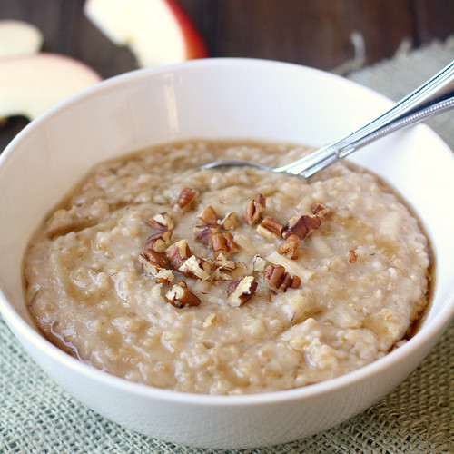 Overnight Apple-Cinnamon Steel-Cut Oatmeal