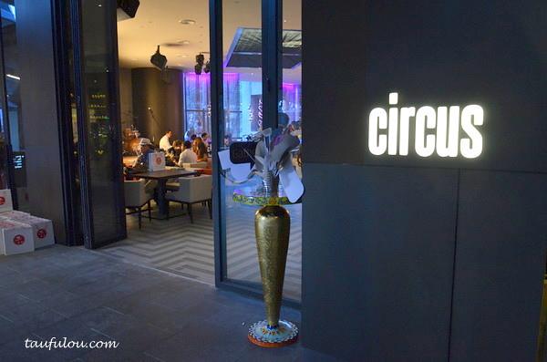 Circus (1)