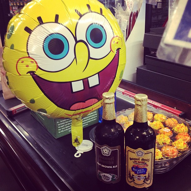 Celebrating my little bro's Birthday with cupcakes, beer and a Spongebob Square Pants balloon #birthdays rock!