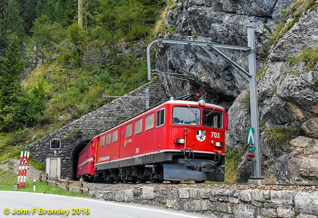 JFB 160916 023 RhB 703 leaving Bergünerstein Tunnel approaching Glatscheras Tunnel Train RE1133 Chur-St Moritz LIGHTROOM FLICKR