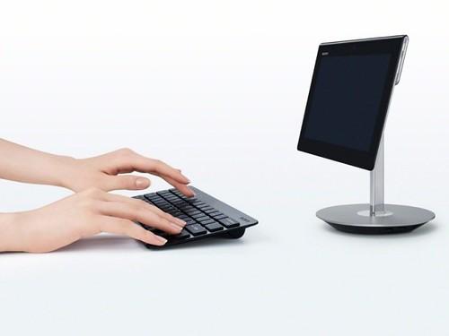 Aksesori dock penyangga beserta keyboard