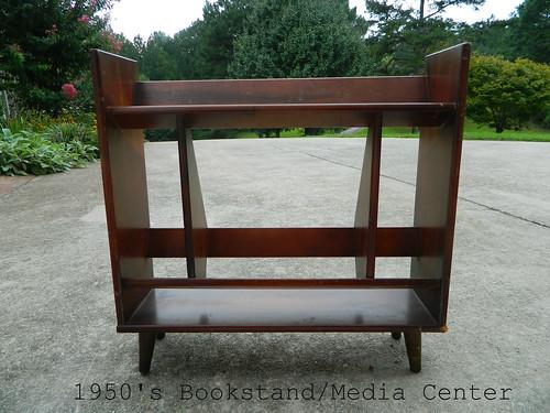 mid century bookstand via homeologymodernvintage.com