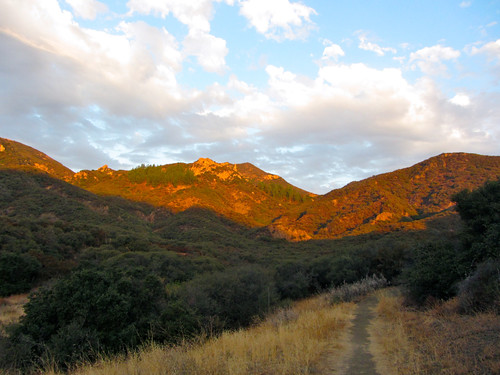santa monica mountains at dawn