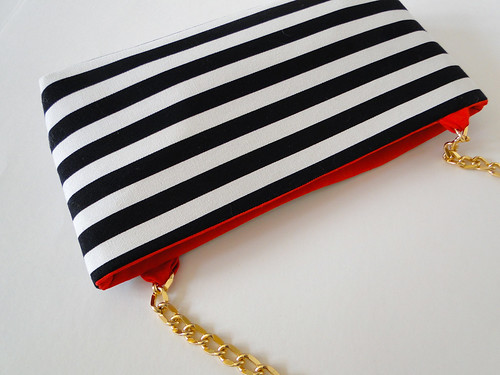 14 Striped Crossbody Clutch Tutorial by Fabric Paper Glue