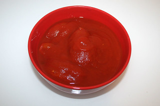 04 - Zutat geschälte Tomaten / Ingredient peeled tomatoes