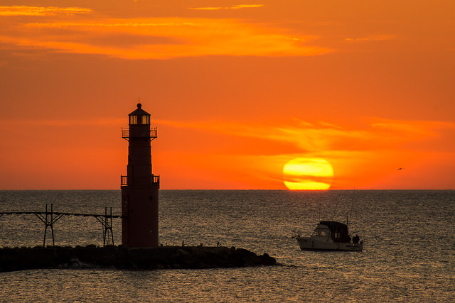 Algoma, Wisconsin, Lighthouse, Sunrise, Photography, Photo, Boat, Charter Fishing, Lake Michigan