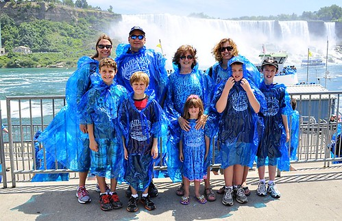 maid of the mist group_thumb[2]