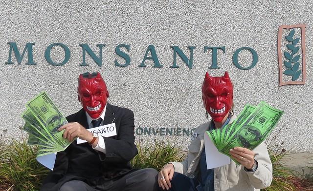12 09 17 - Monsanto Vigil.4