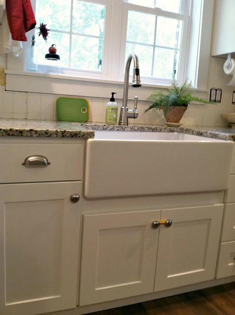 Porcelain Farmhouse Kitchen Sink : Our Farmhouse Sink - Tips to Clean and Care for Porcelain Sinks ...