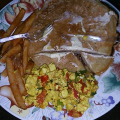 Homemade vegan pancakes from scratch, scrambled tofu w/ tomatoes & green onions & home fries with 100% maple syrup.....hmmmmm hmmmmm good  #thehappyveganchef