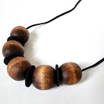 Stained Wood Bead Necklace Tutorial by Fabric Paper Glue