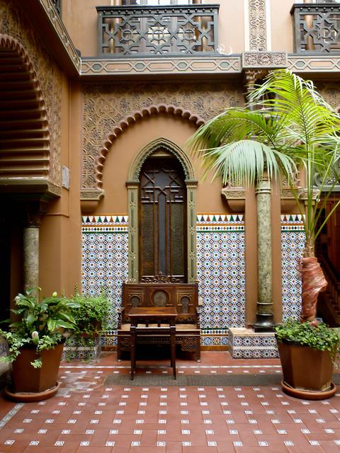 spanish patio flickr photo sharing. Black Bedroom Furniture Sets. Home Design Ideas