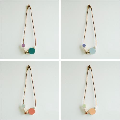 Bloc-round-pendant-colors