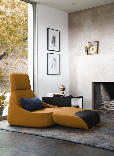 Coalesse Hosu single open seater in use_small
