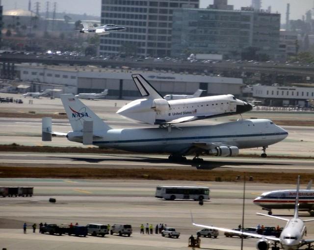 Endeavour Landing 4