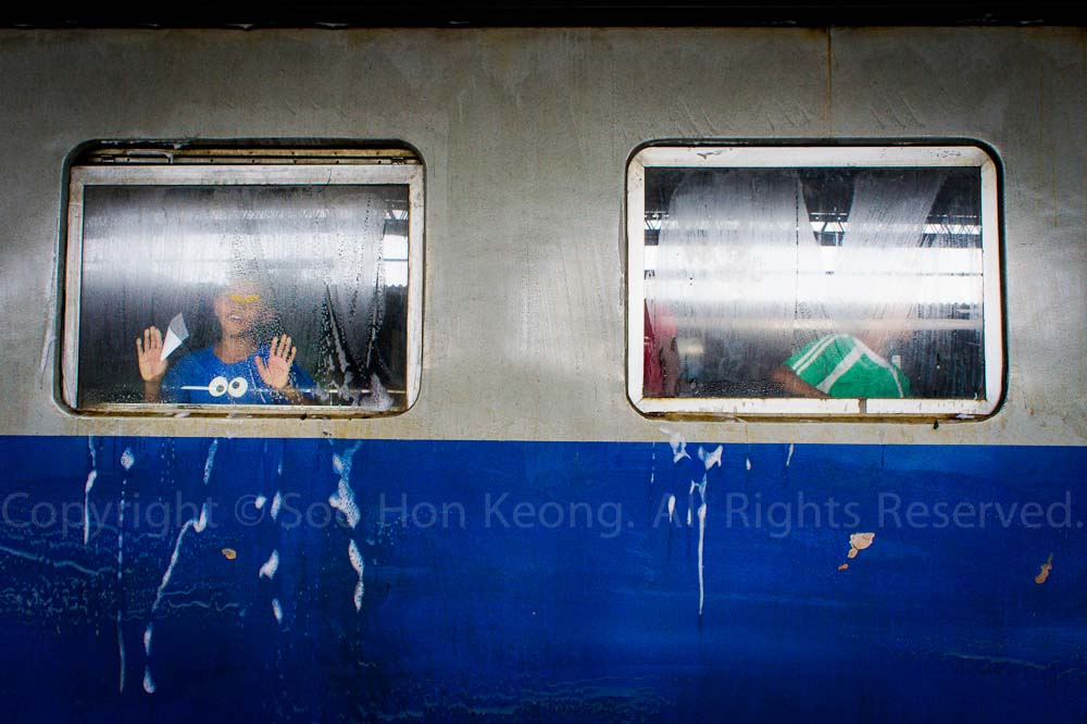 Wash Up @ Hua Lamphong Railway Station, Bangkok, Thailand