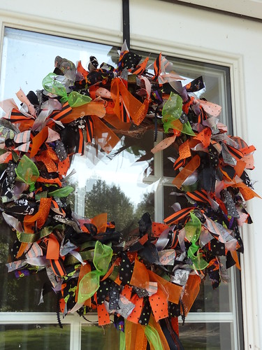 Halloween Rag Wreath Sept 2012