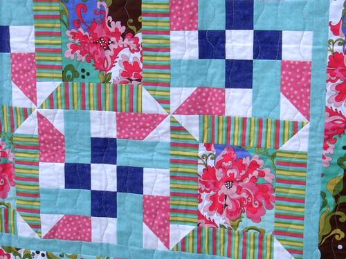 flower challenge quilt closeup
