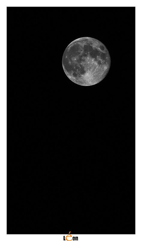 Essai de lune 8040700024_0d367acb50_c