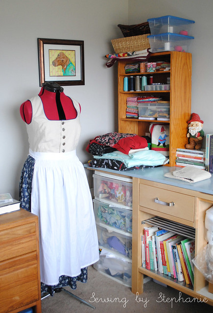 My Sewing Room: Dressform and Scraps