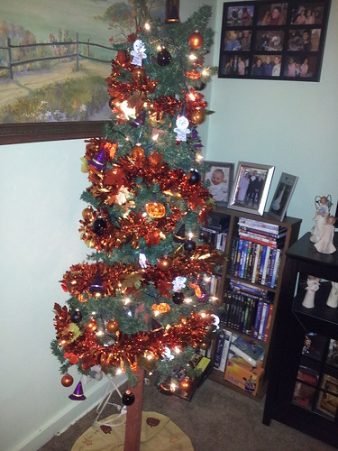 Our Holiday Tree by northwoodsluna