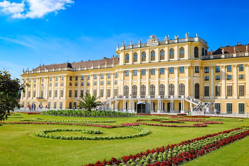 Schonbrunn Palace facts