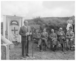 Lord Cobham at the unveiling of a commemorative plaque at Te Pōrere, 18 February 1961