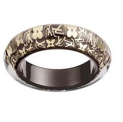 diamond(0.0), platinum(0.0), rings(0.0), wedding ceremony supply(1.0), ring(1.0), metal(1.0), jewellery(1.0),