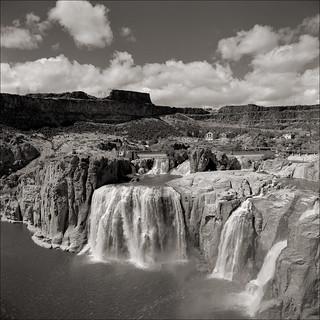 Shoshone Falls Rolleiwide TMY-2 HC-110dilH 10min 21C 1minAg2x 2012-06 VSmac 9000 Scan-120830-0008