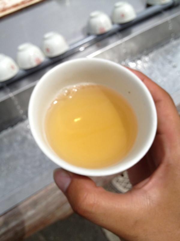 長生きの茶を飲む