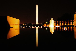 Reflecting Pool / World War II Memorial / Washington Monument