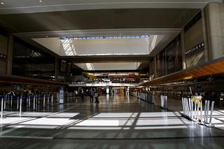 ロサンゼルス空港 JALカウンター