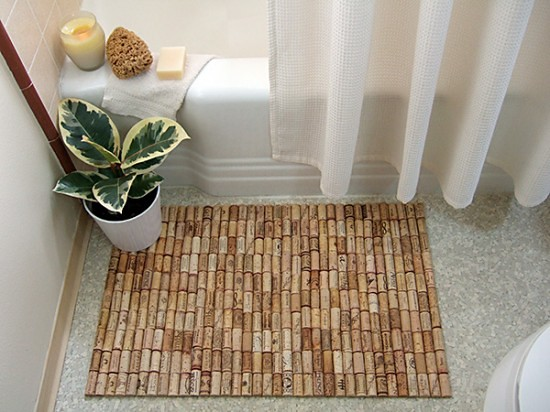 Wine-cork-bath-mat-recylcart