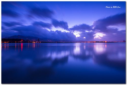 morning light shadow sky clouds sunrise nikon dynamic taiwan static 台灣 雲 天空 d800 光 關渡宮 影 淡水河 日出 wugu 五股 靜 動 早晨 142428g guandutempletamsuiriver