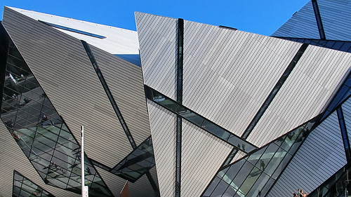 8031532488 6b88c540a3 Royal Ontario Museum addition   The Crystal by Libeskind